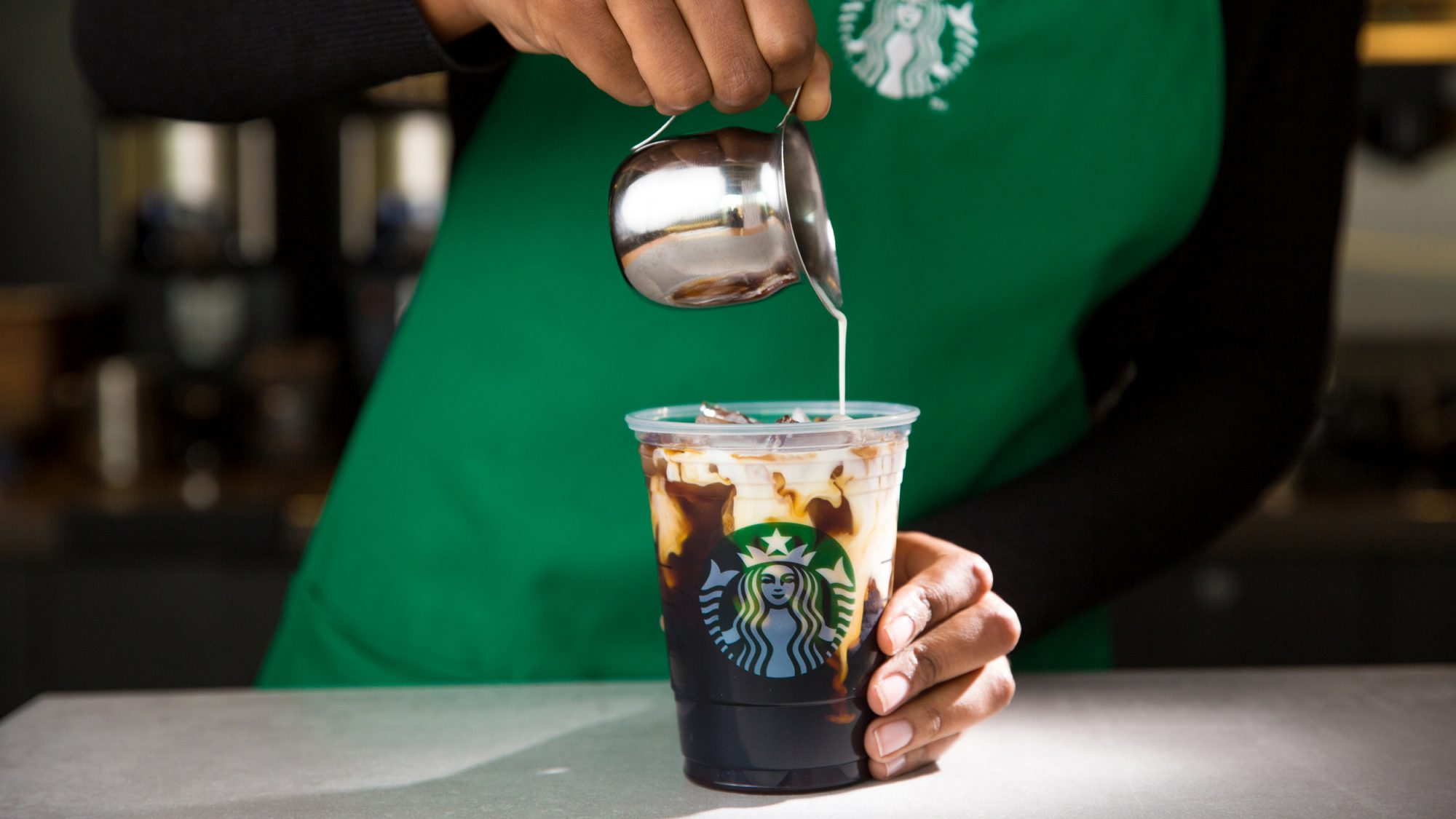 nitro-cold-brew-coffee-starbucks-2-FT-BLOG0516.jpg