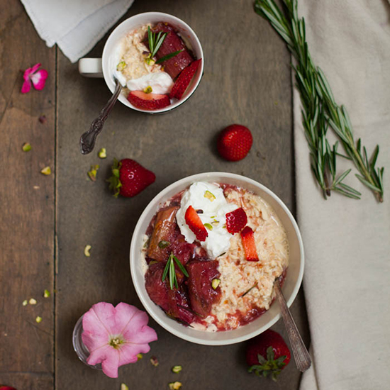 HD-201501-r-rhubarb-and-rosemary-overnight-oats.jpg