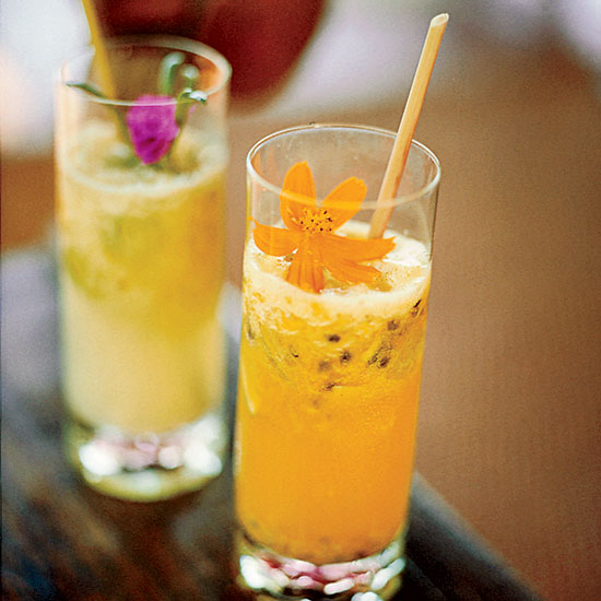 HD-200602-r-rio-ginger-beer-floats.jpg