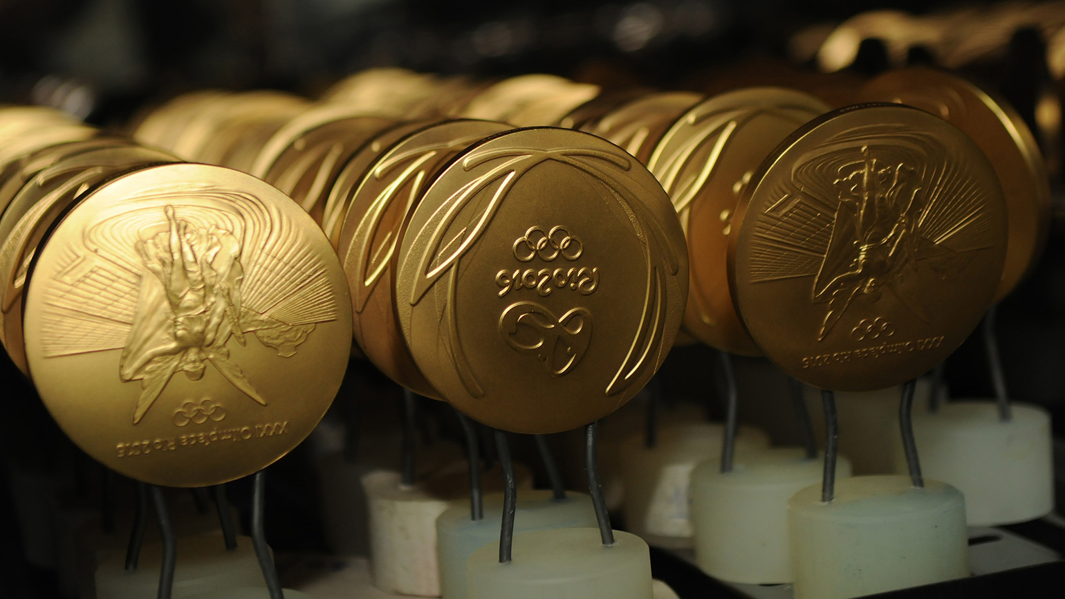 olympics-medal-makes-wallpaper-1-FT-BLOG0816.jpg