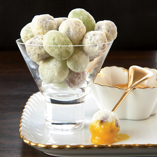 HD-200804-r-white-choc-grapes.jpg