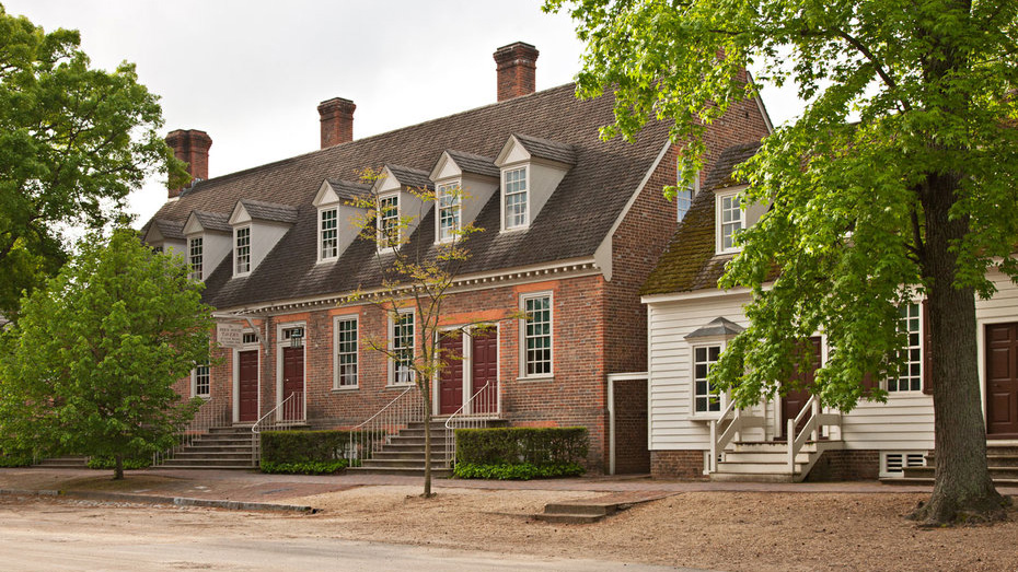 colonial-williamsburg-haunted-homes-tl-2-FT-BLOG0916.jpg