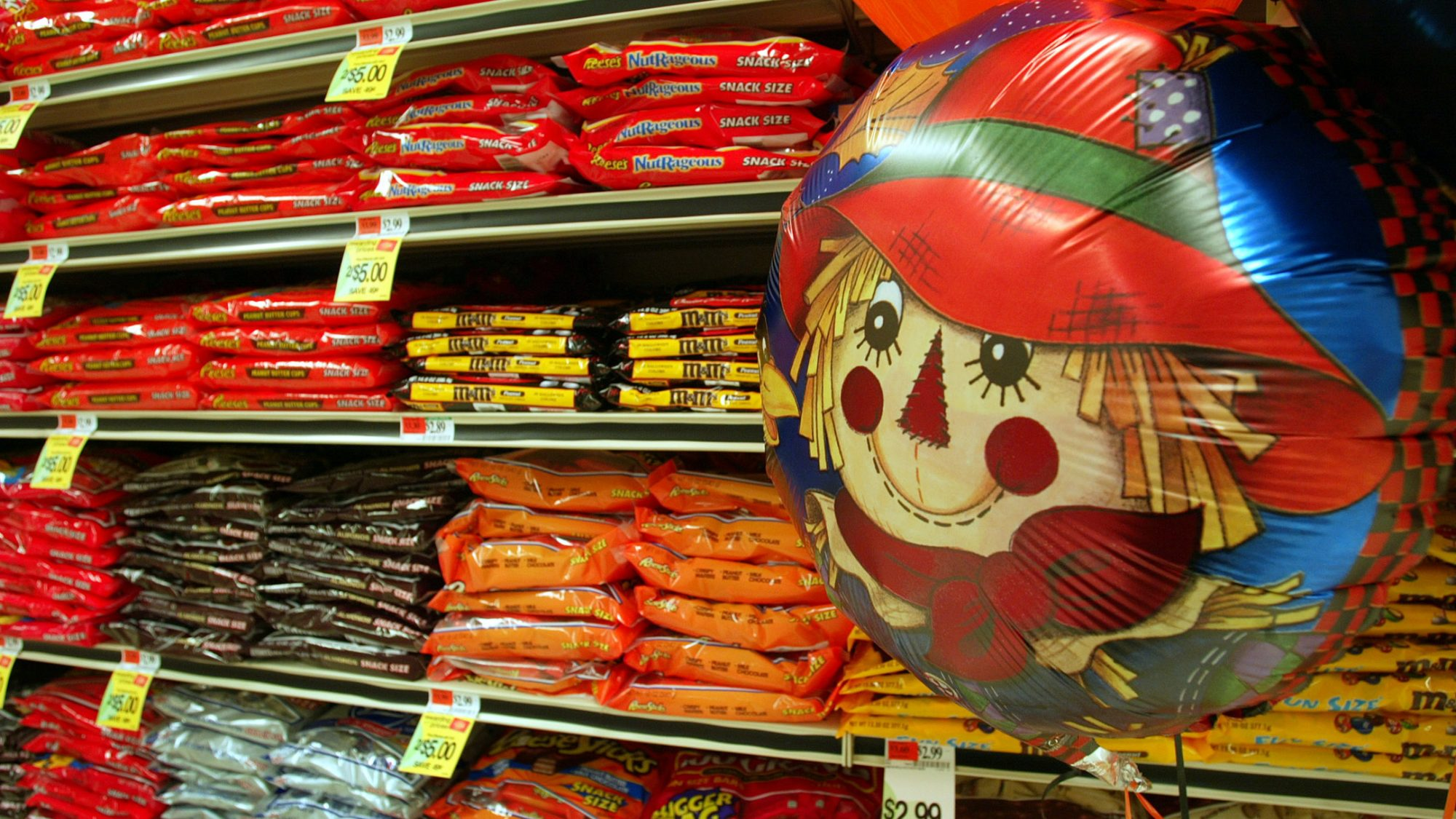Booming Halloween Candy Sales a Good Sign For the Economy