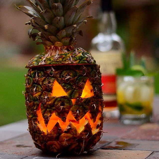 how to carve a pineapple video