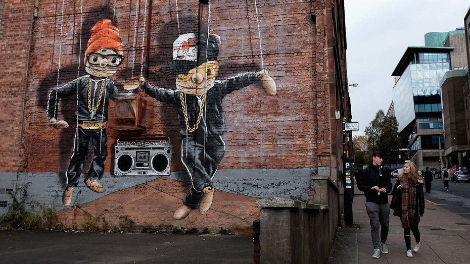 glasgow-street-art-puppet-mural-tl-FT-BLOG1116.jpg