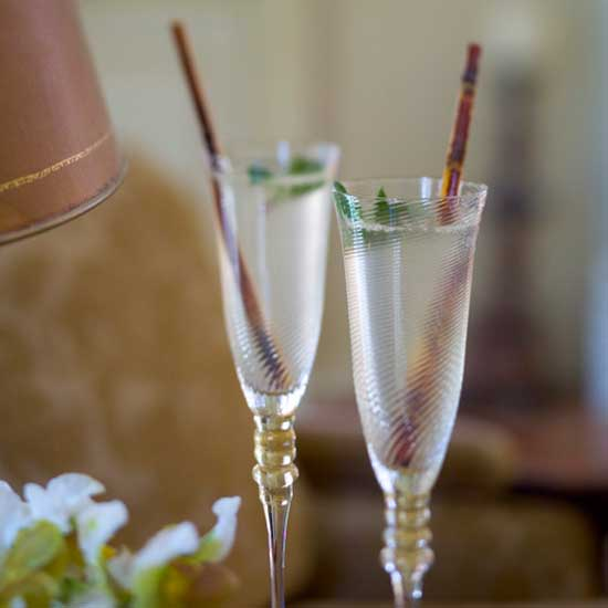 December 16: Champagne Mojitos