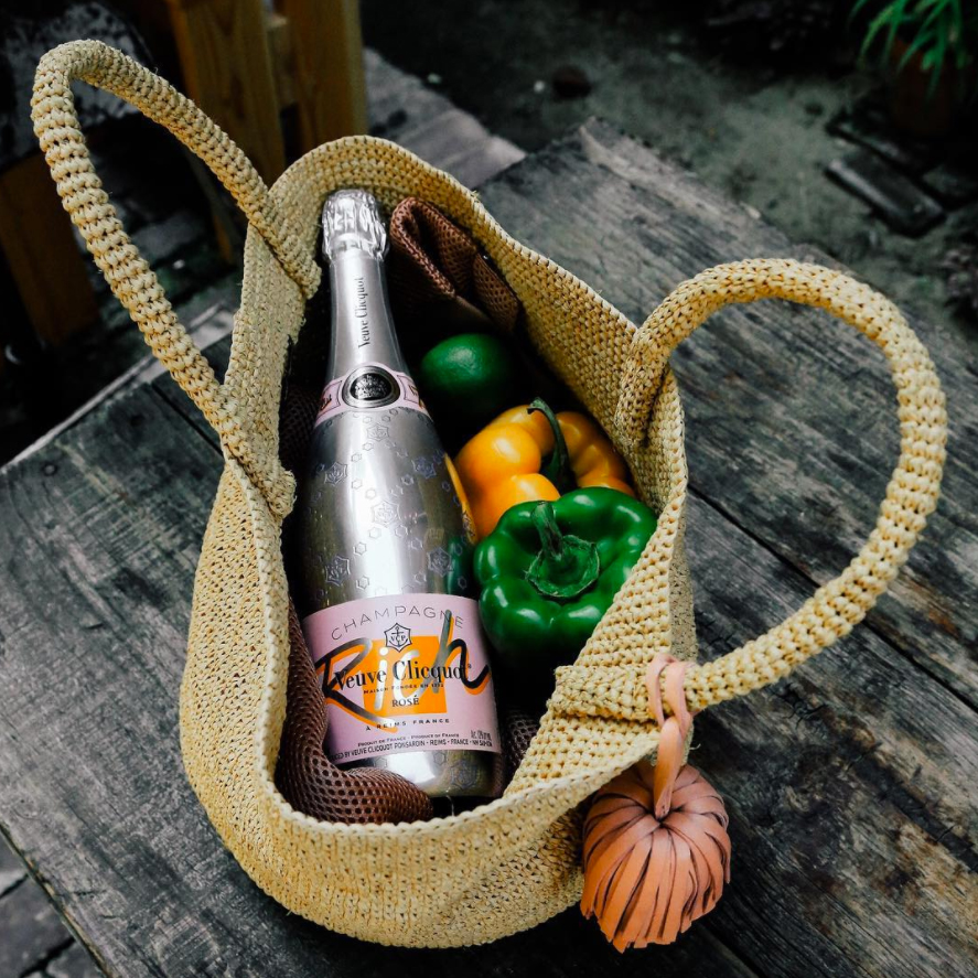 wine-gifts-veuve champagne