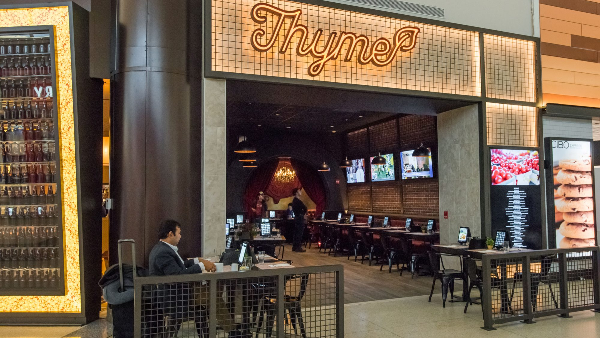 thyme-newark-airport-restaurant-2-FT-BLOG0117.jpg