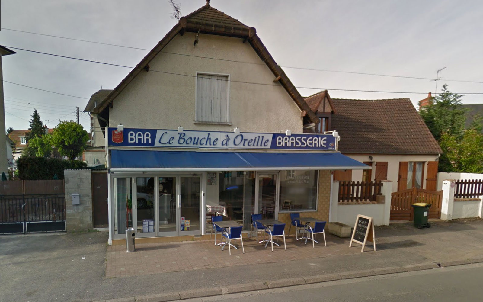 French Roadside Café Gets Accidental Michelin Star