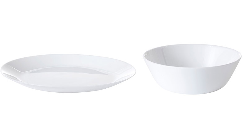 <p>Plates for your next party</p>