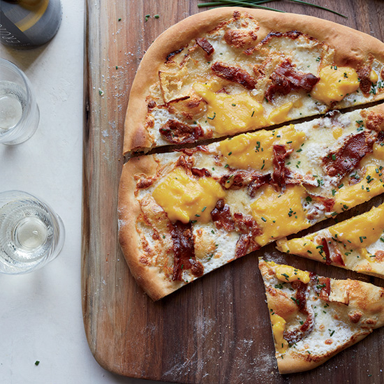 Bacon-and-Egg Pizza