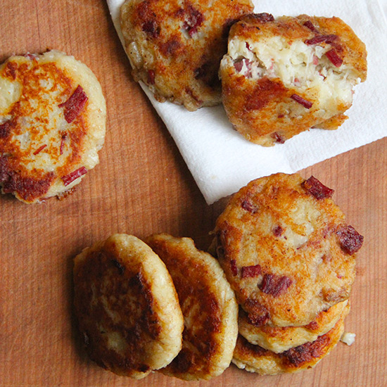 St patricks day recipes food wine irish potato and corned beef cakes forumfinder Images
