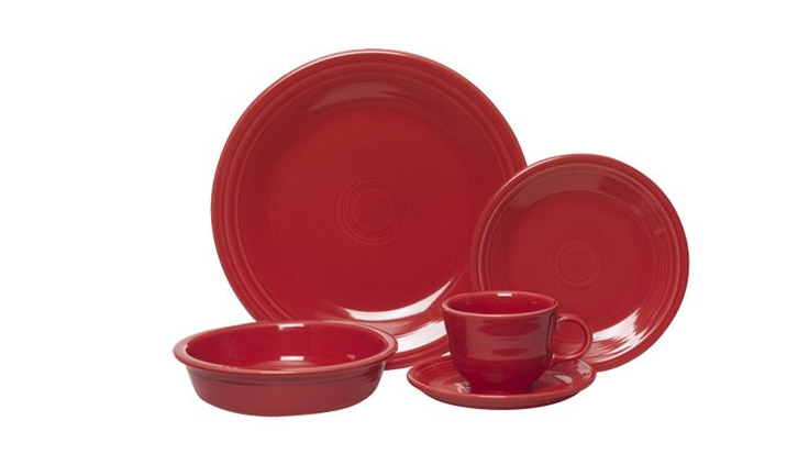 <p>Fiestaware 5-Piece Place Setting</p>
