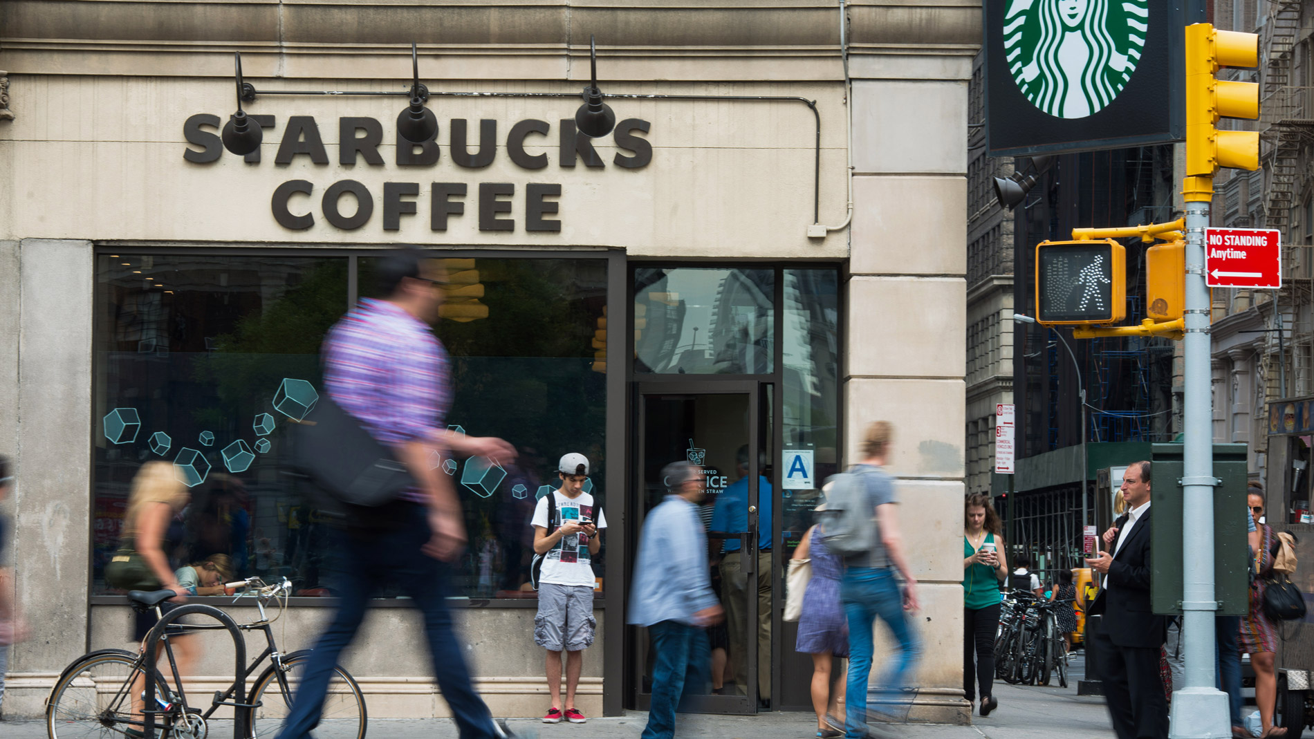 Starbucks Has a Response to President Trump's Immigration Ban: Hire 10,000 Refugees