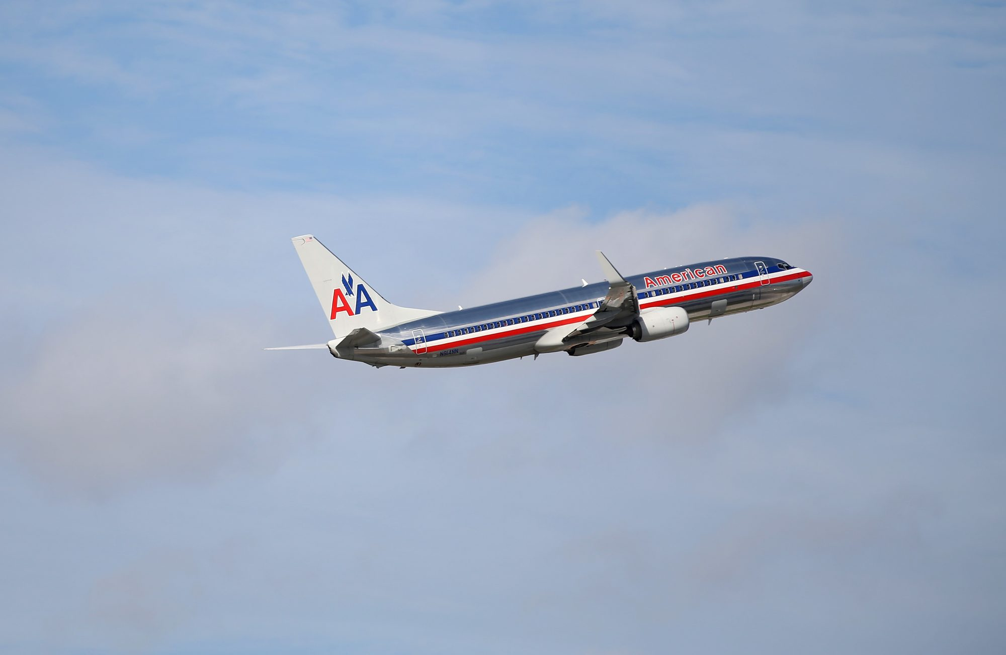 Research Reveals the Best Time to Buy a Domestic Plane Ticket