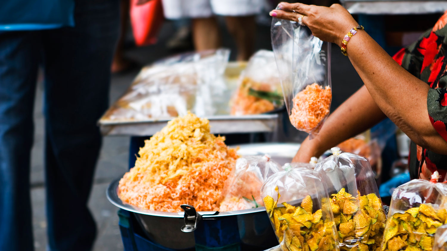 Bangkok bans street food vendors