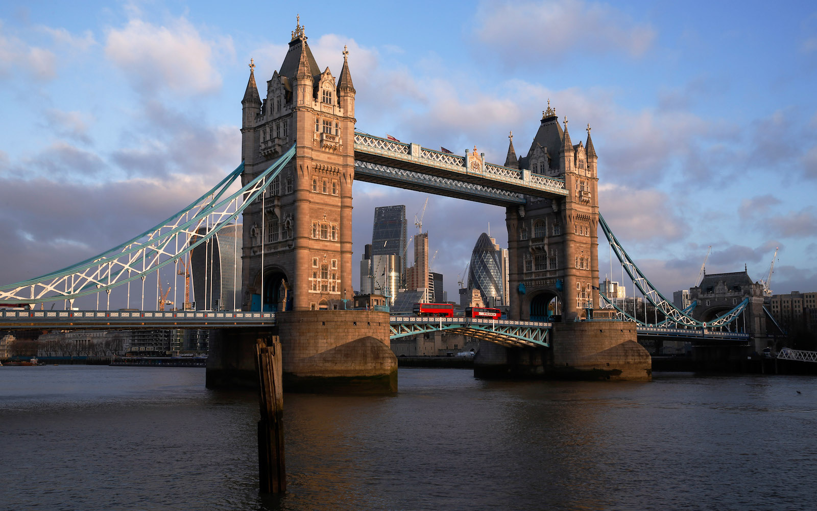 Just Launched: $199 Flights From the West Coast to London