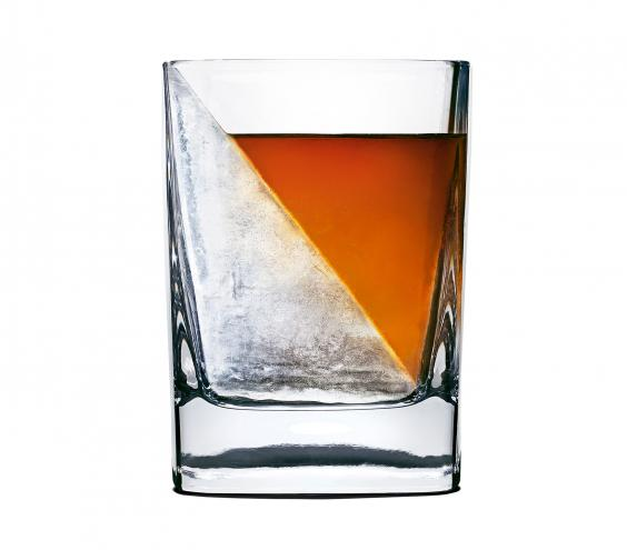 <p>Whiskey Wedge by Corkcircle</p>