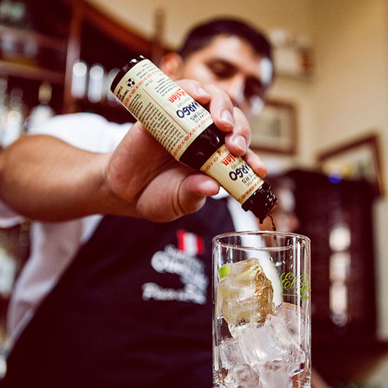 original-2014-HD-photo-tour-lima-bartender.jpg