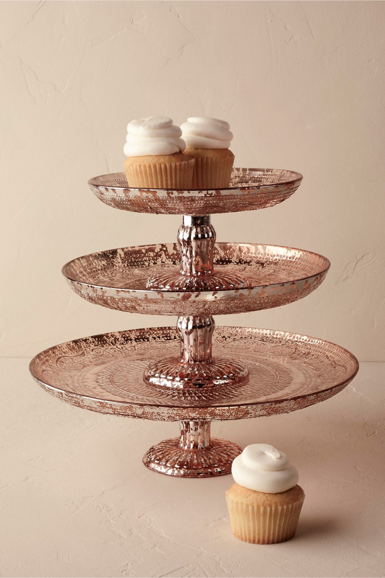 white wedding cake stands 11 gold homeware and kitchen gifts for s day 1362