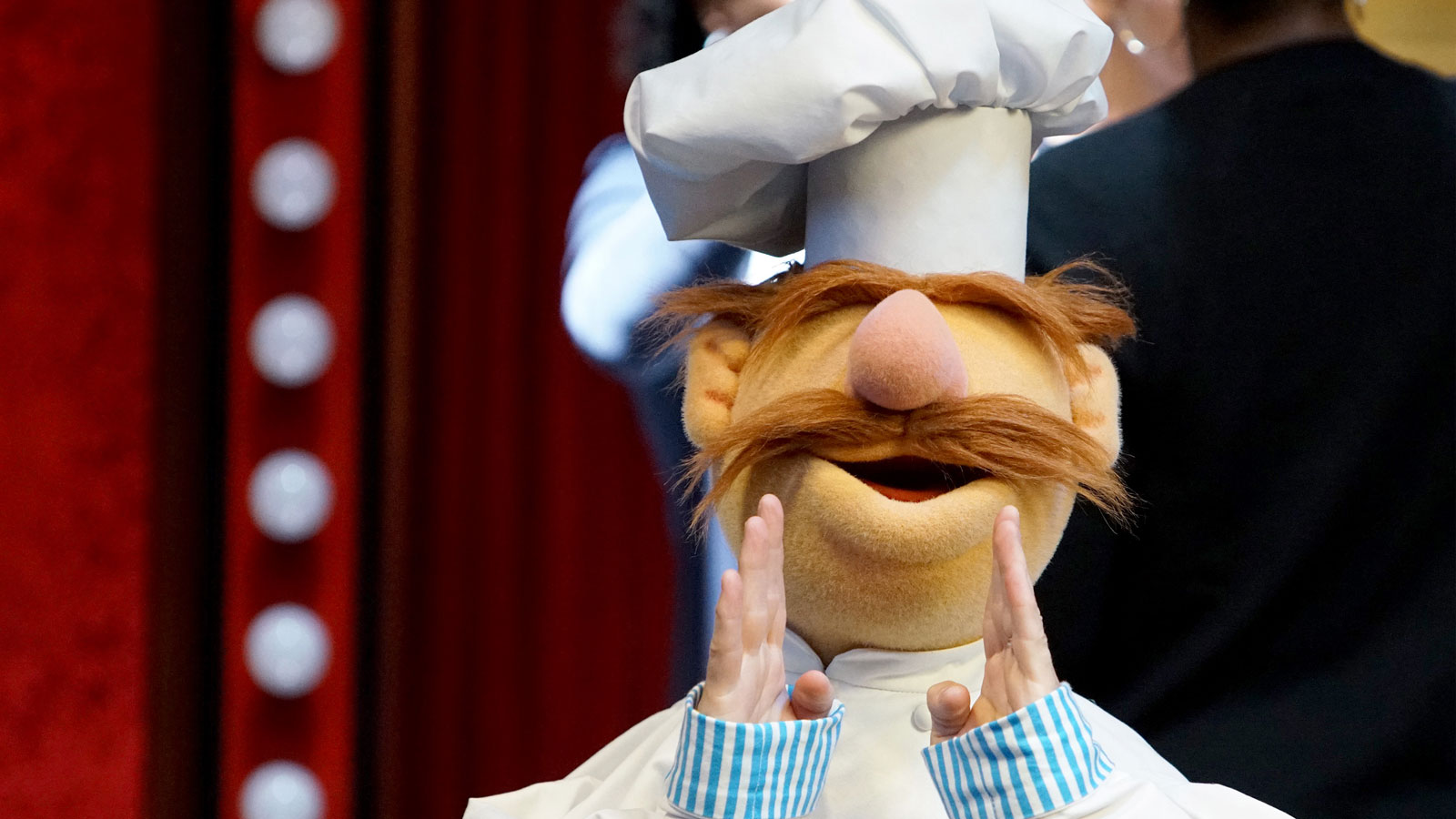 7 kitchen and life lessons that the swedish chef taught us