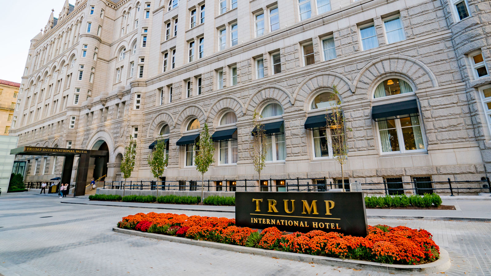 trump-emoluments-lawsuit-FT-BLOG0417.jpg