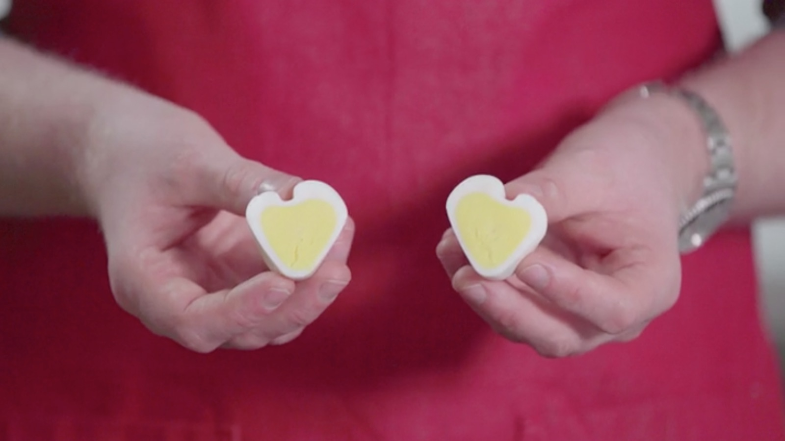 Mad Genius Tips heart-shaped hard-boiled eggs