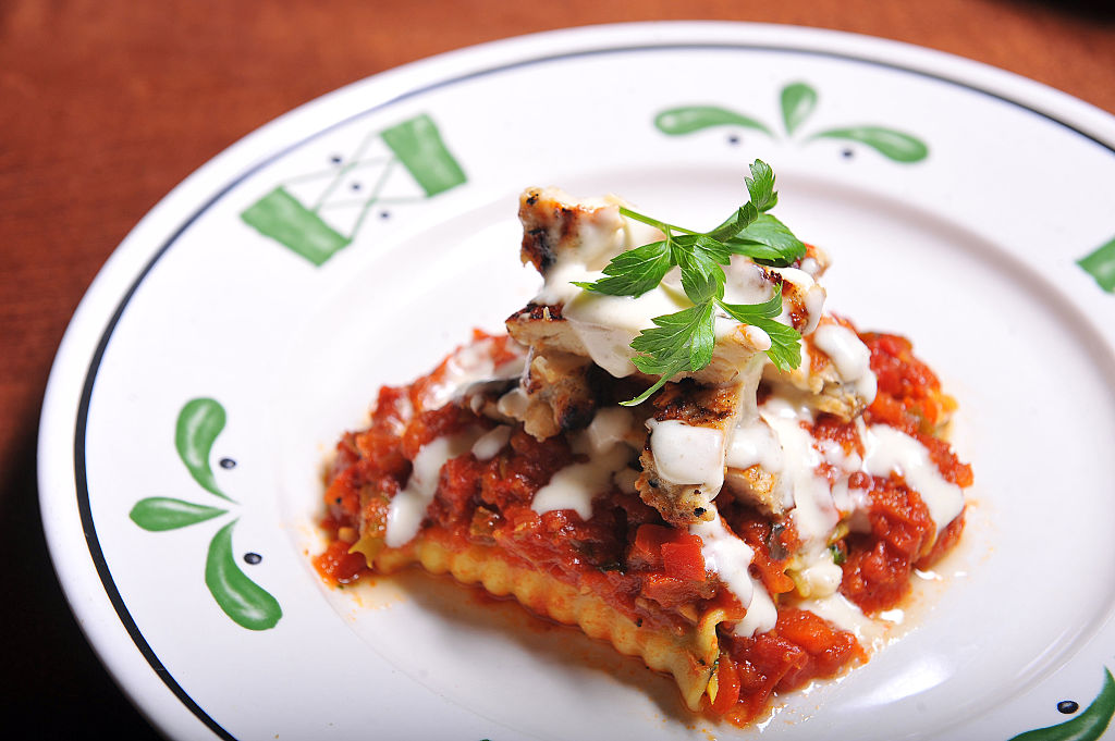 The 100 most scenic restaurants in america according to opentable food wine for Olive garden lunch lasagna classico
