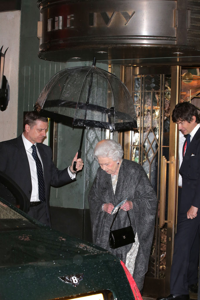 queen-elizabeth-ivy-london-restaurant-2-blog0517.jpg