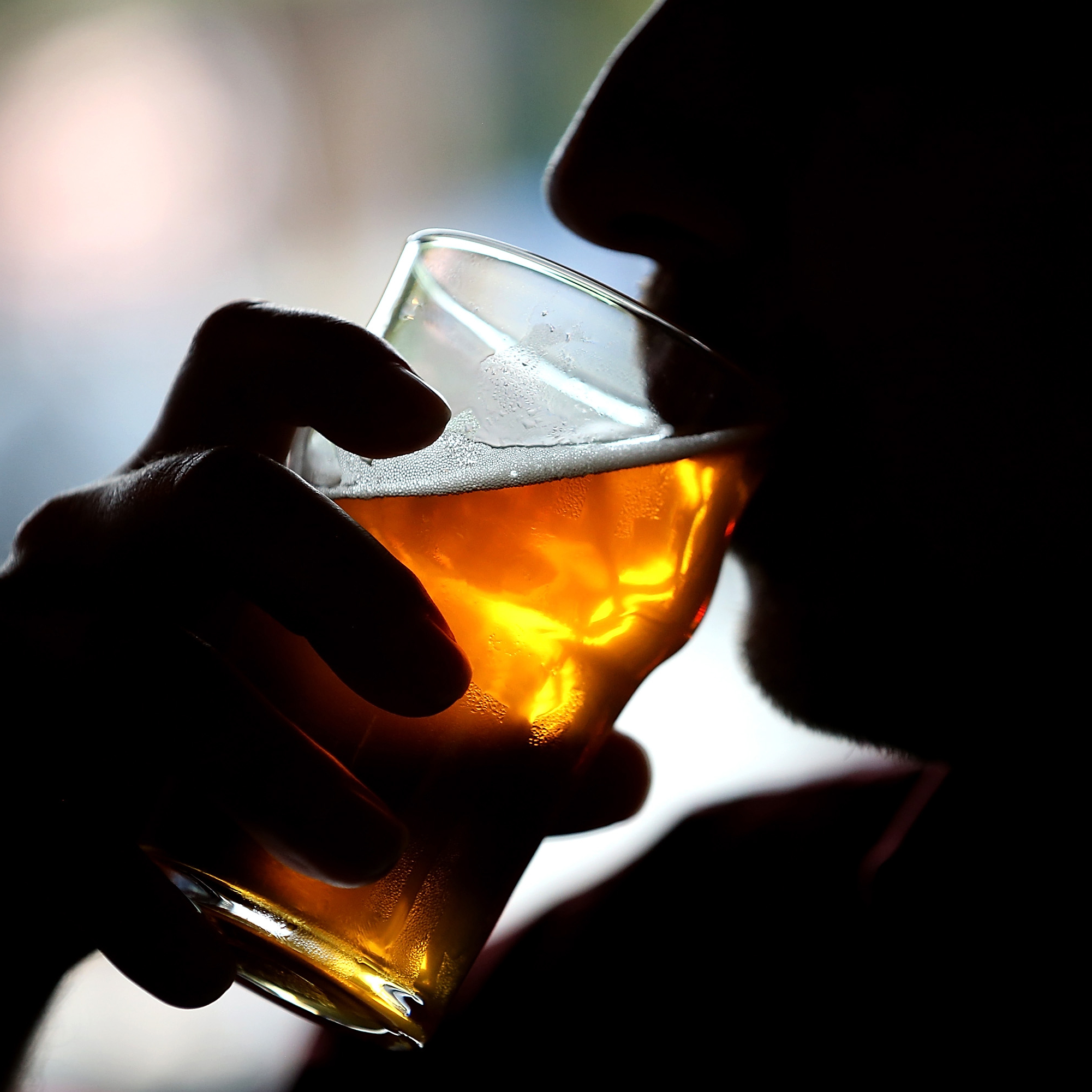 drinking-beer-shadows-fwx