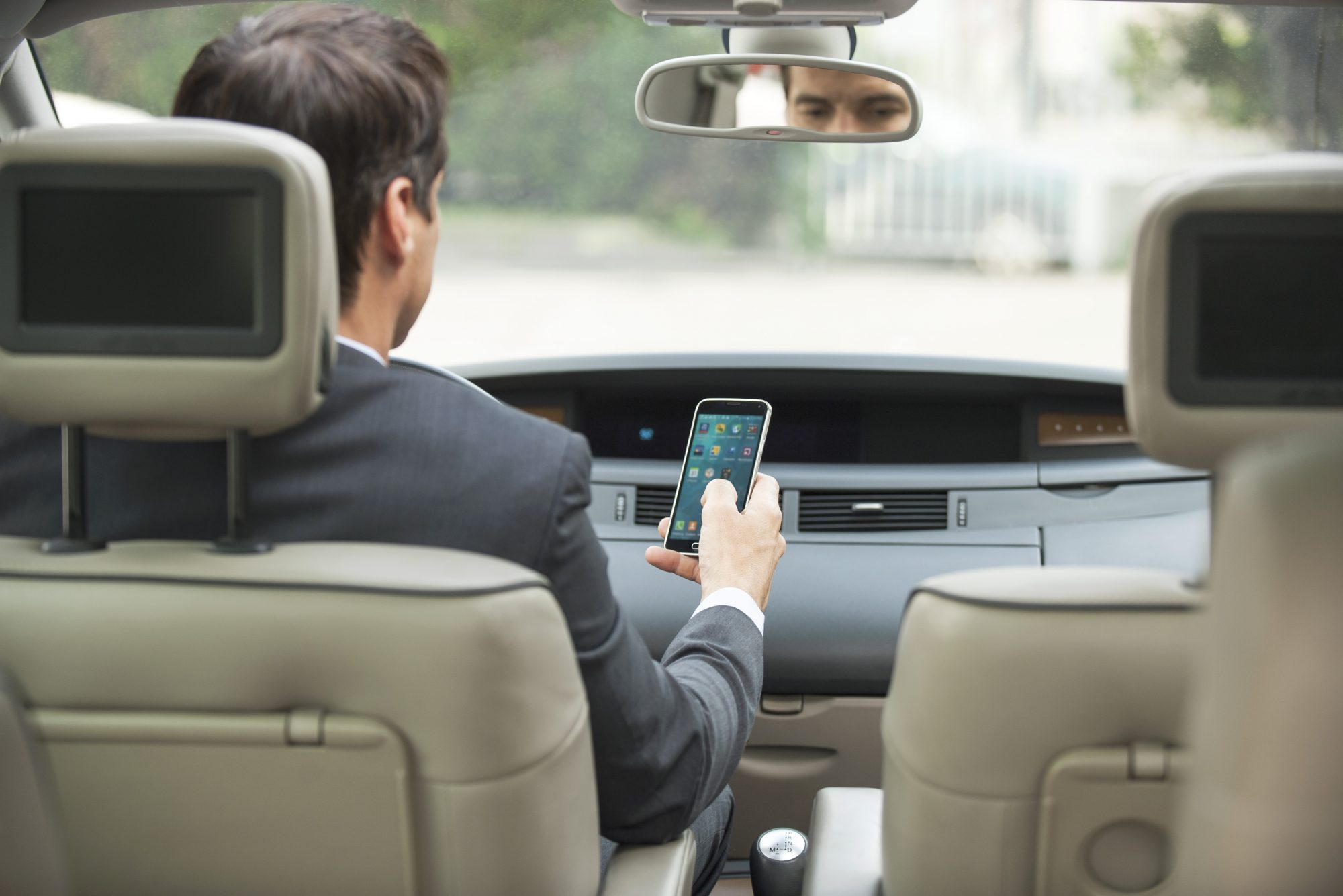 There's Now an App That Rewards You for Driving Without Using Your Phone