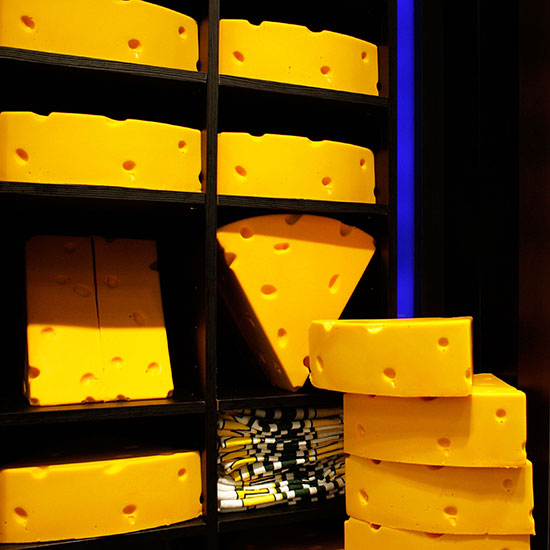 Why do Green Bay Packer Fans Wear Cheese Hats?