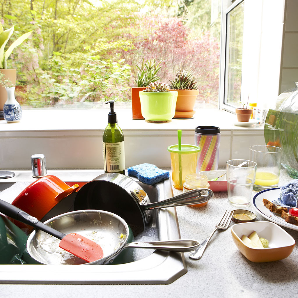 CLUTTERED KITCHEN MAKES YOU EAT MORE FWX