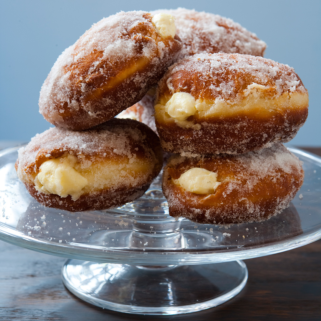 flour-bakery-and-cafe-vanilla-best-donuts-fwx