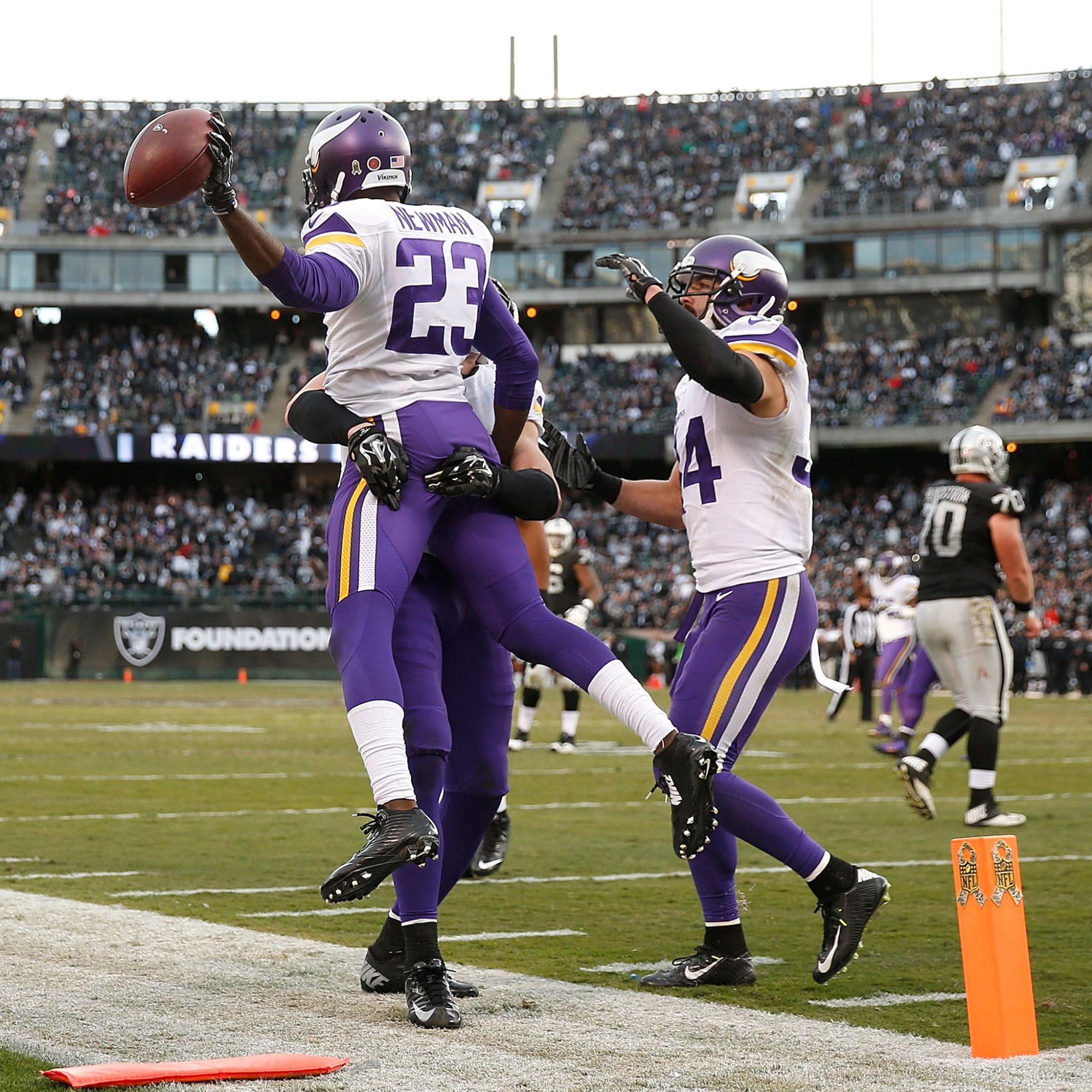 Minnesota Vikings Defense Credits Its Success to Pinot Noir