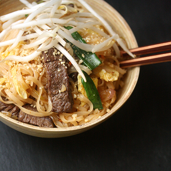 HD-201310-r-pad-thai-with-beef.jpg