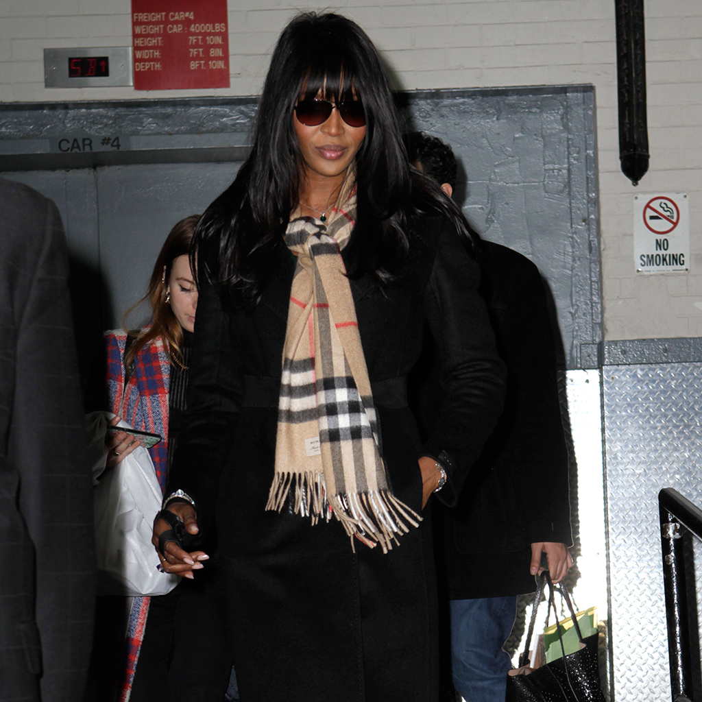 a91200afba63 The Classic Burberry Scarf Is Back