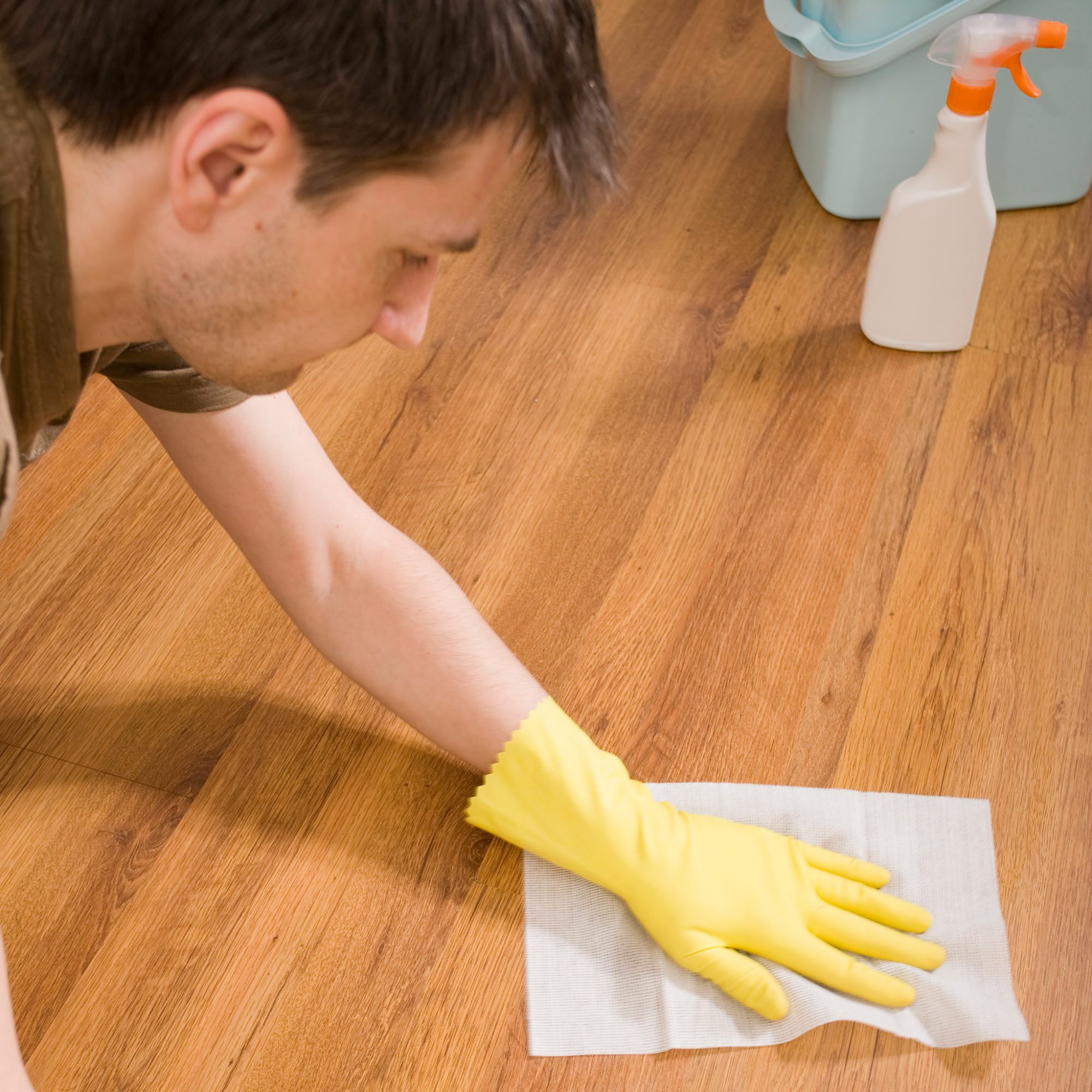FWX CLEANING THE HOUSE WITH ALTERNATIVE CLEANERS