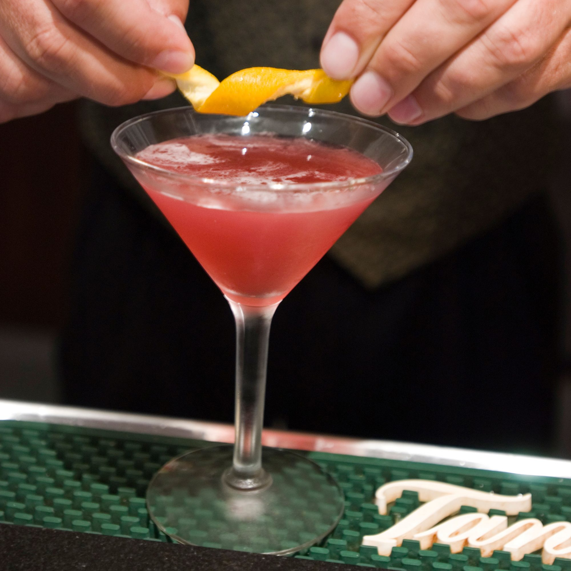 The History Of The Cosmo And The Birth Of Craft Cocktail