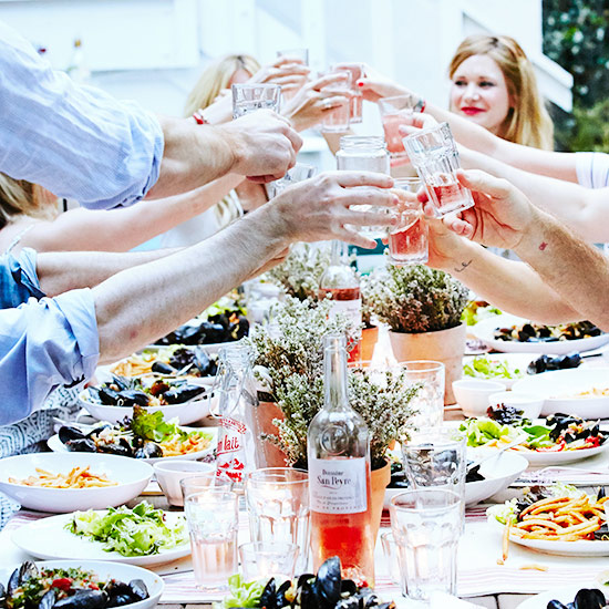 Hosting A Dinner Party 10 dos and don'ts of hosting a dinner party | food & wine