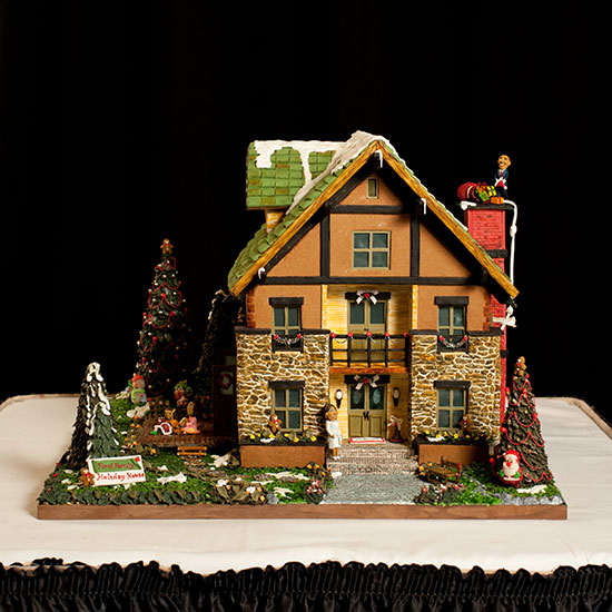 FWX GINGERBREAD HOUSE
