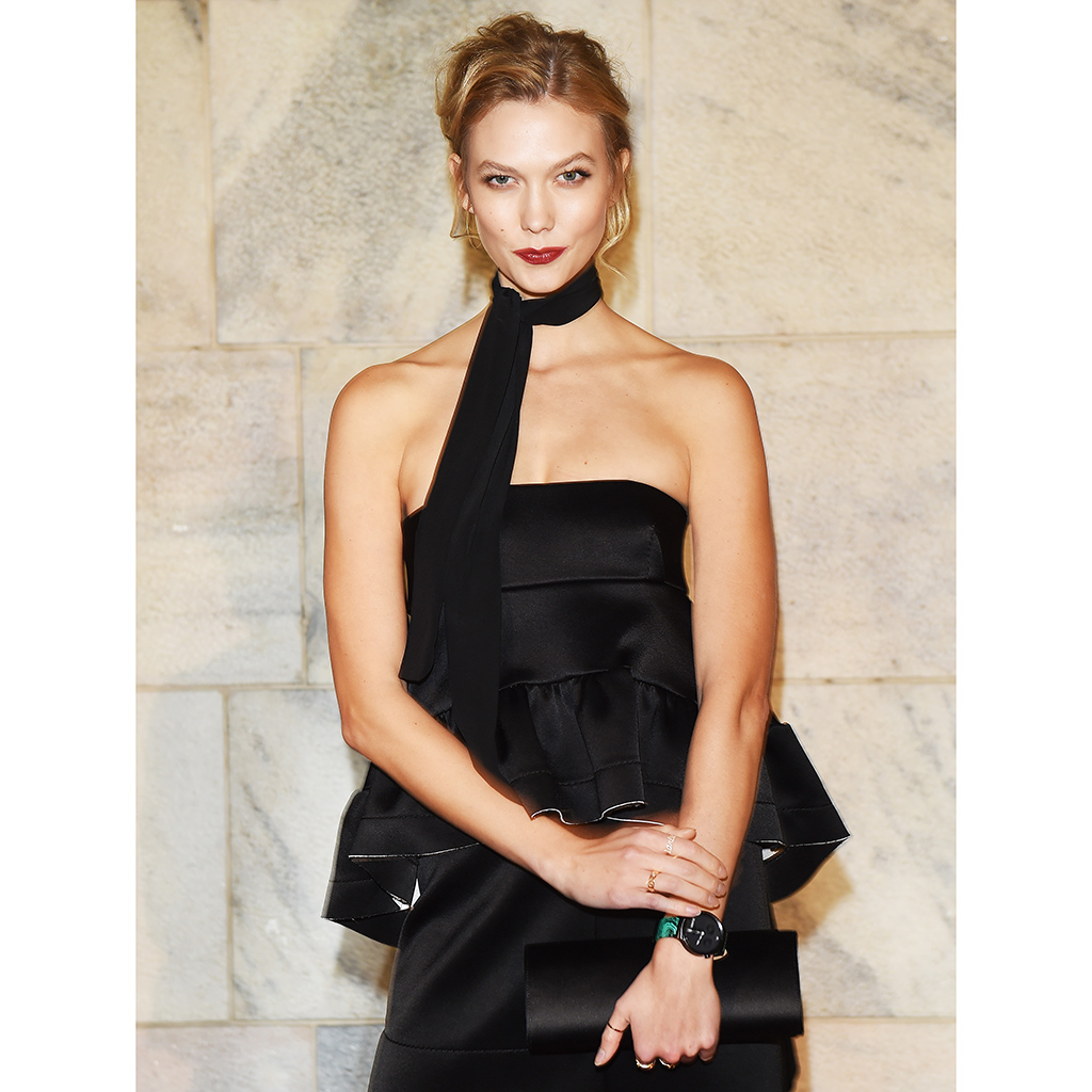 FWX KARLIE KLOSS APPLE PIE