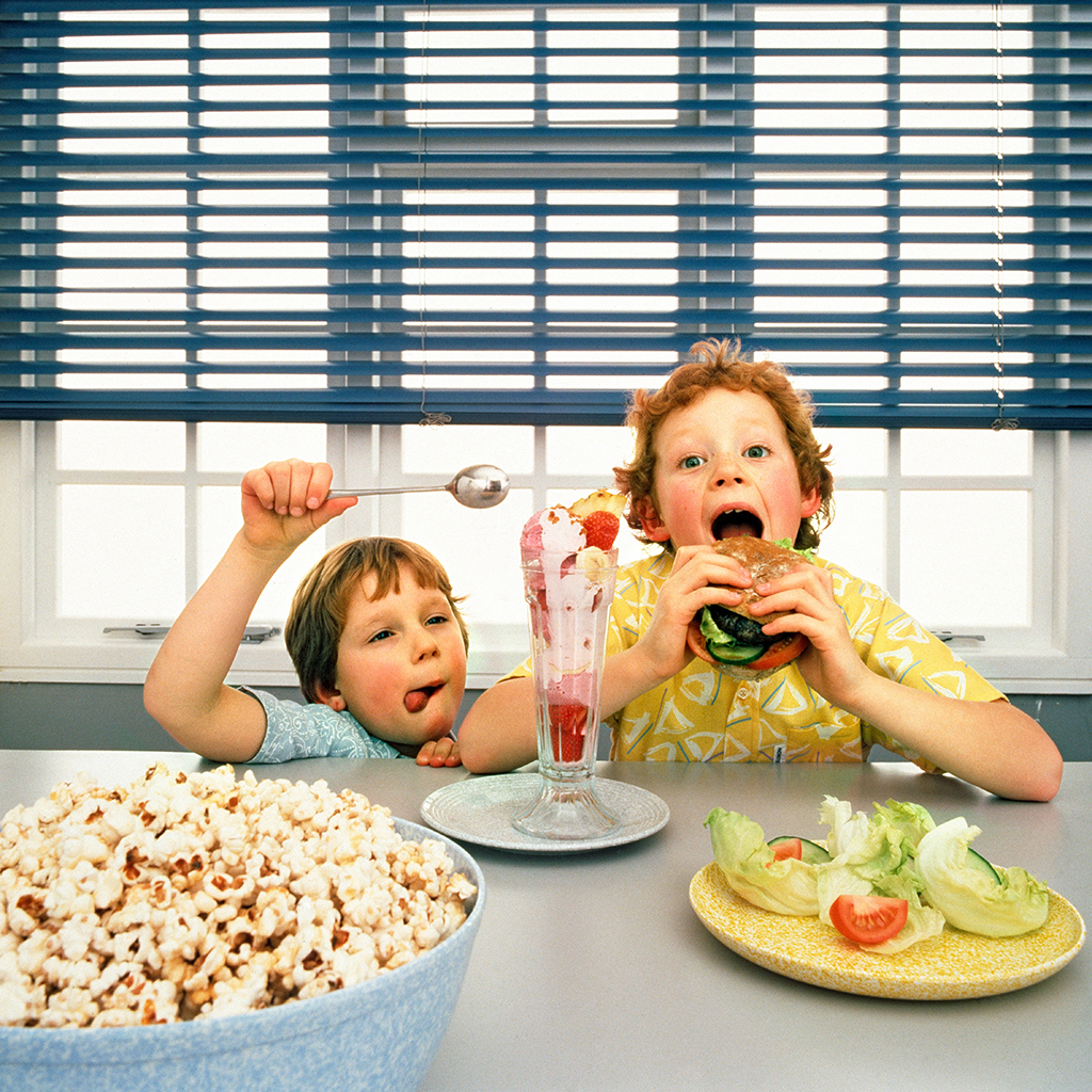 Eating Healthy Foods Doesn't Reduce Kids Consumption of Unhealthy Foods