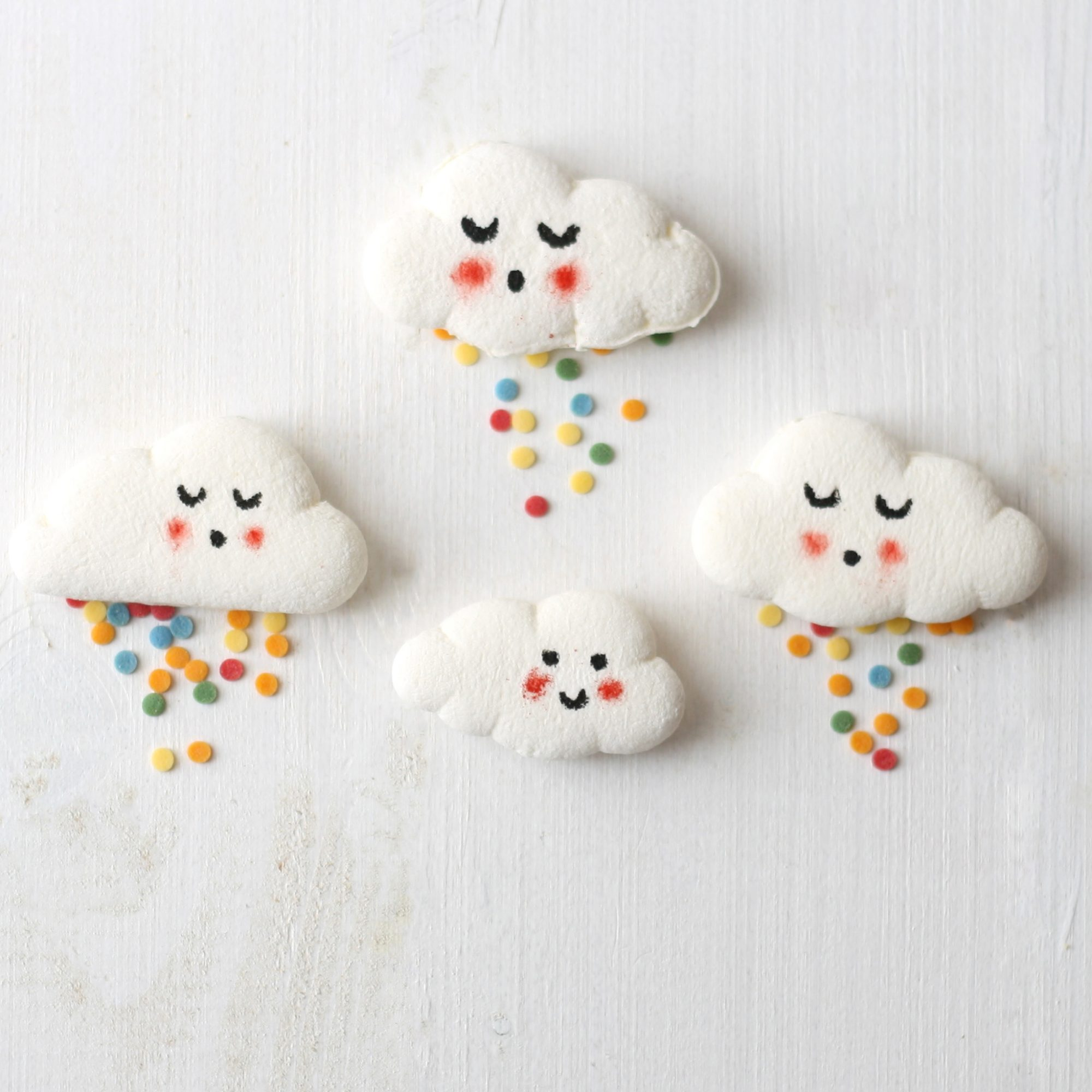 Step Up Your Hot Chocolate Game With Cloud-Shaped Marshmallows
