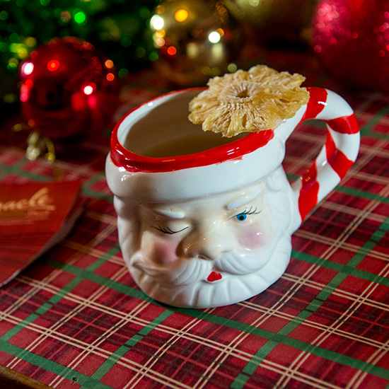 FWX MIRACLE ON 9TH STREET SANTA MUG