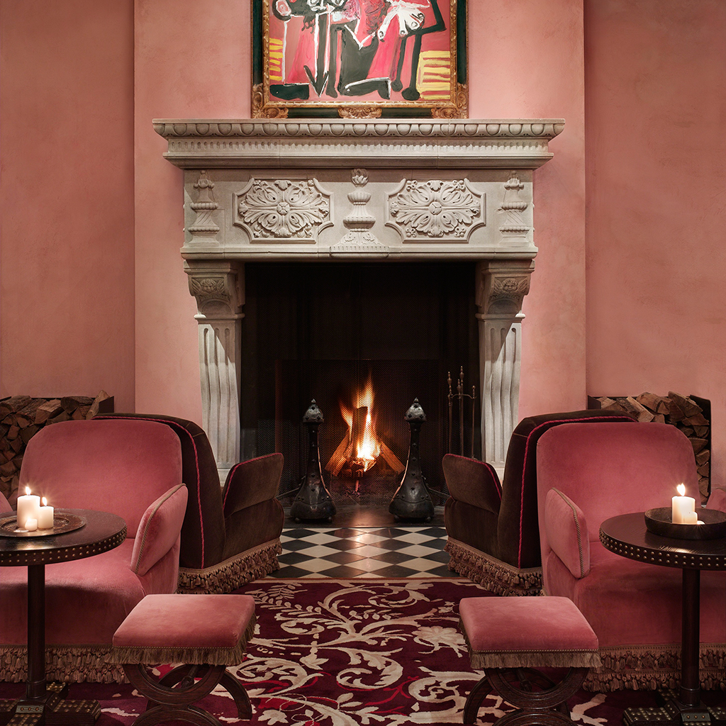 Curl Up By The Fire At These 11 New York City Bars And