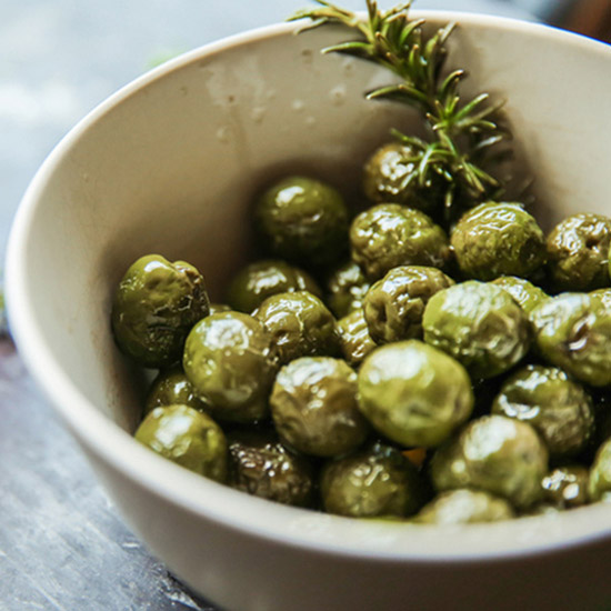 FWX PARTNER LIQUOR BAR FOOD OLIVES 02