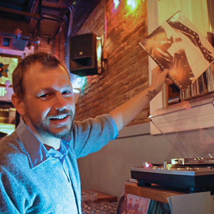 FWX PARTNER LIQUOR MUSIC IN BARS