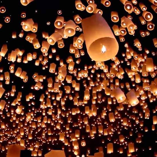 Play with Paper Lanterns in Thailand