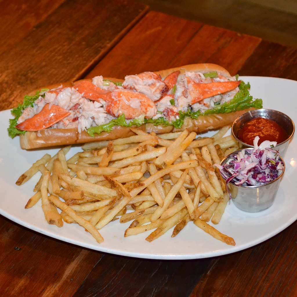 FWX SANDWICH STALKER FOOT LONG LOBSTER ROLL